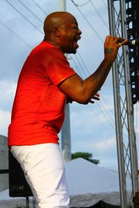 Raheem DeVaughn at Overtown Music Arts Festival